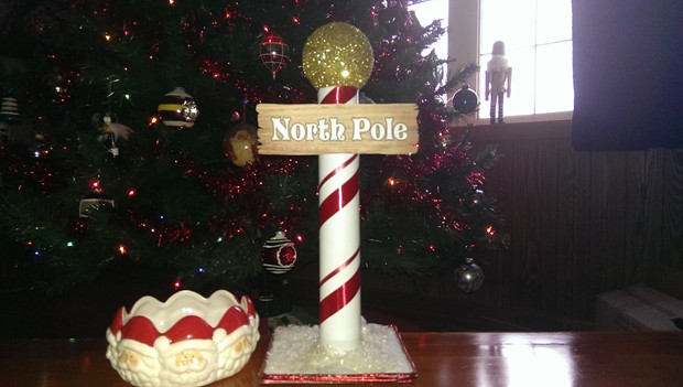 How To Make A Cute North Pole From A Recycled Paper Towel